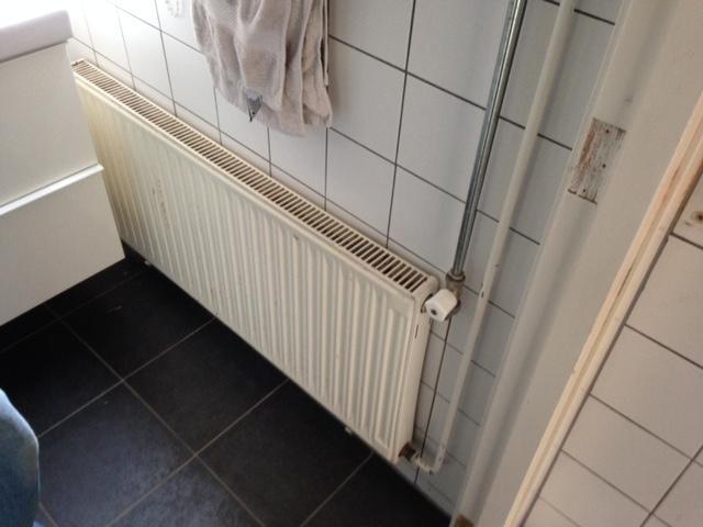 Verwarming Badkamer Handdoek : Badkamer handdoek radiator plaatsen en design radiator woonkamer
