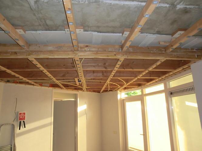 Verlaagd plafond, stuccen en saucen - Werkspot