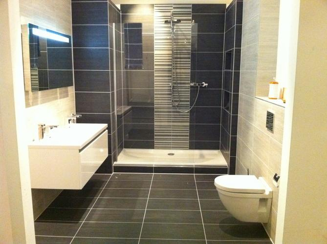 Badkamer en toilet almere poort werkspot - Mozaiek douche ...