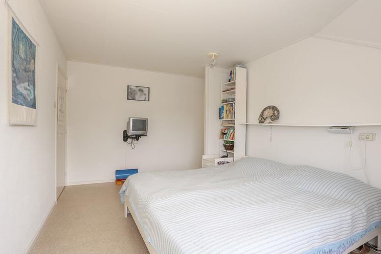 Stucen bovenverdieping (ruime overloop/vide, 4 slaapkamers) - Werkspot