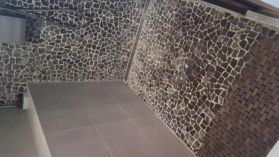 Badkamer vloertegels tegels badkamer inspiratie u voorbeelden badkamertegels toepassen - Badkamer m ...