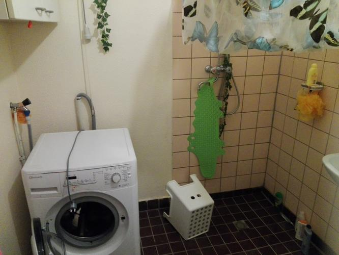 Afvoer Douche Aansluiten : Badkuip aansluiten in badkamer en wasmachine afvoer en aansluiting