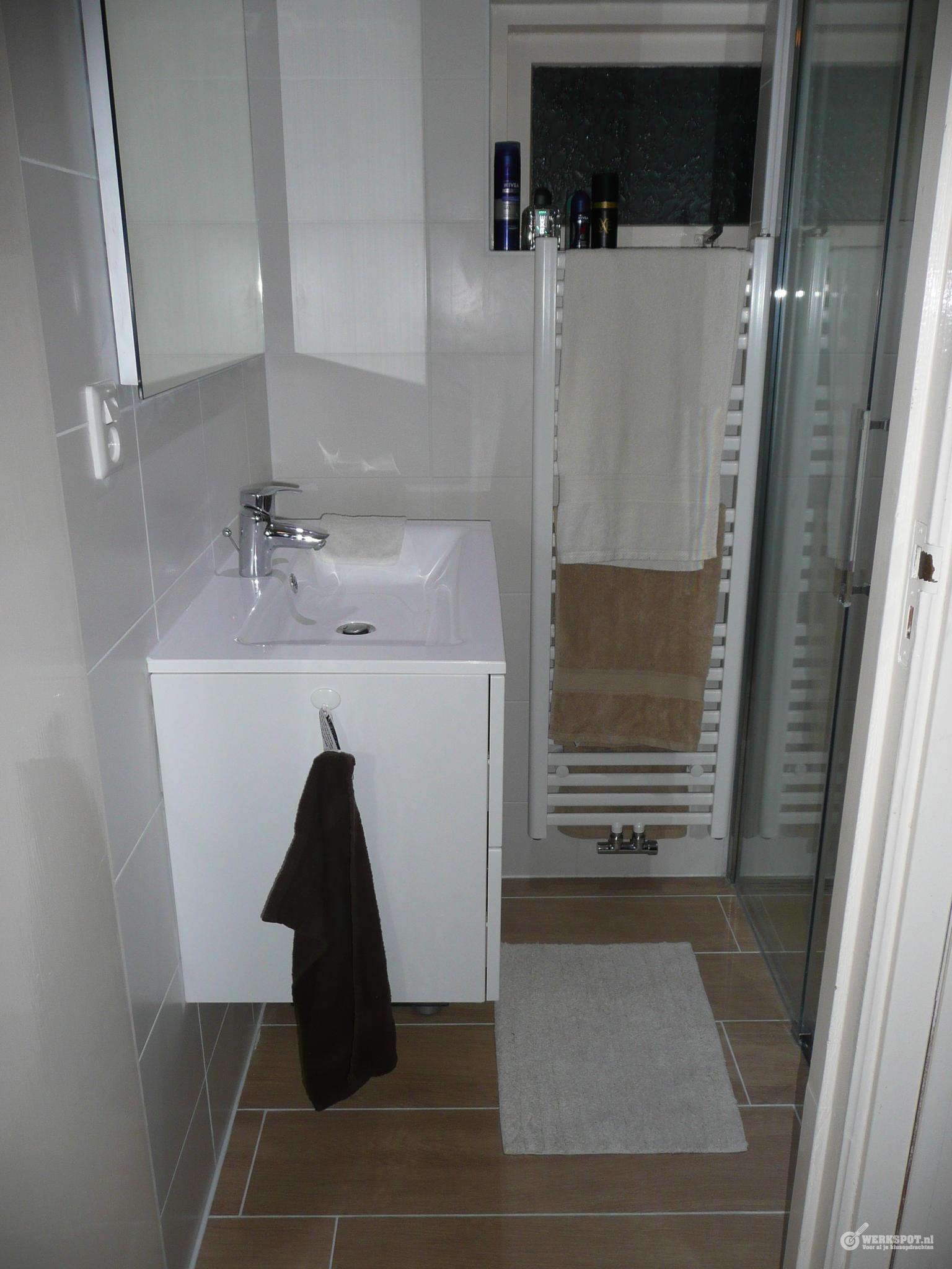 Iets Nieuws Totale verbouwing kleine badkamer - Werkspot @BA53