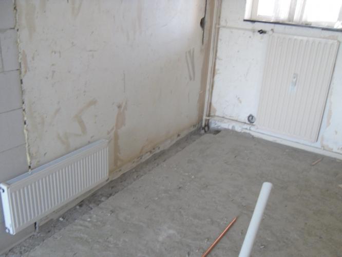 bestaande cv leiding in de muur verwerken en nieuwe radiator aanslu