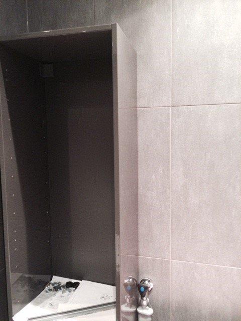 hoge badkamerkast ikea ophangen - werkspot, Badkamer