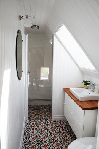 Kleine badkamer (3.17m2) moderniseren - budget ±3500 all in - te Gr ...