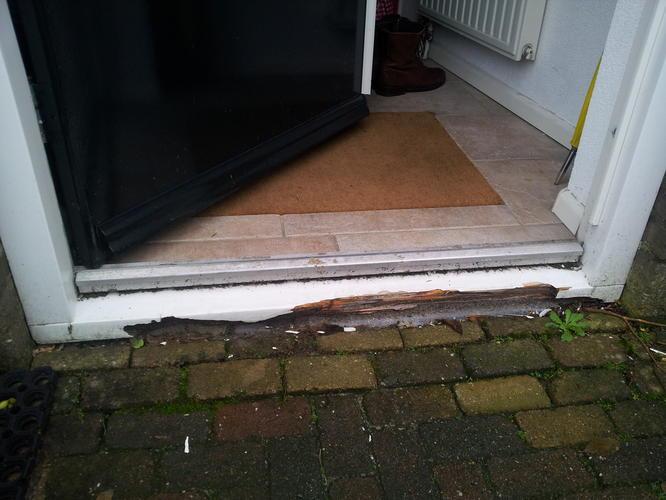Zeer verrotte dorpel voordeur vervangen - Werkspot WS15