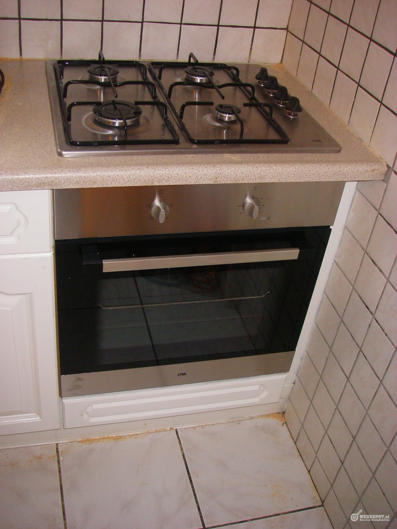 Super Vervangen inbouw oven met daarop inbouw kookplaat in aanrecht II-55