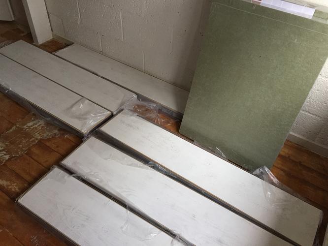 Laminaat Leggen Ondervloer : Laminaat leggen met ondervloer ca m werkspot