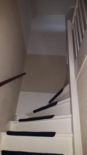 Schilderen muren gang trapgat en overloop werkspot for Trapgat behangen