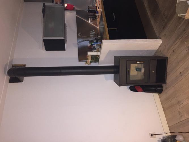 Geliefde aansluiten houtkachel op bestaande schoorsteen - Werkspot DX33