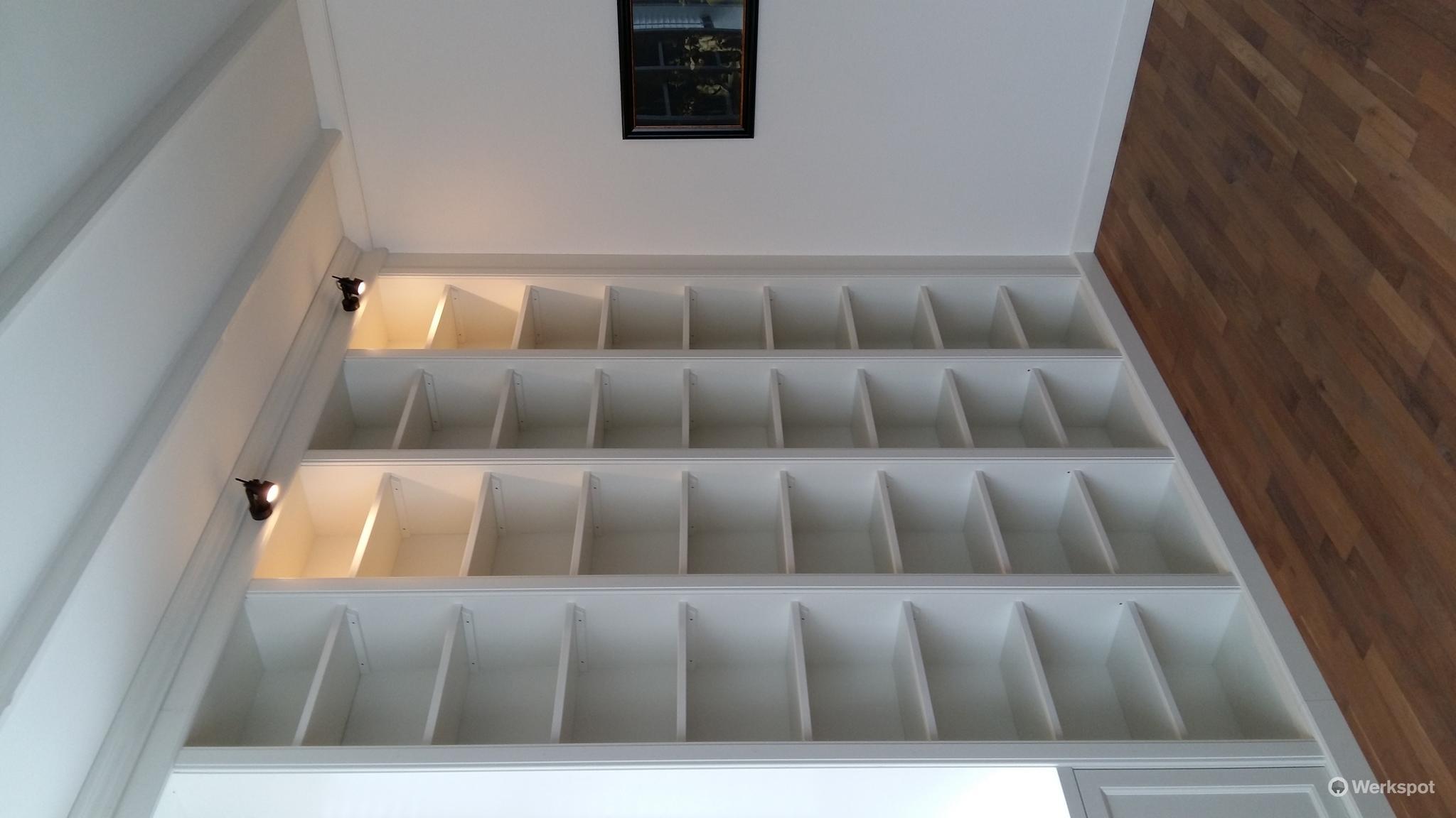Vaste boekenkast bouwen - Werkspot