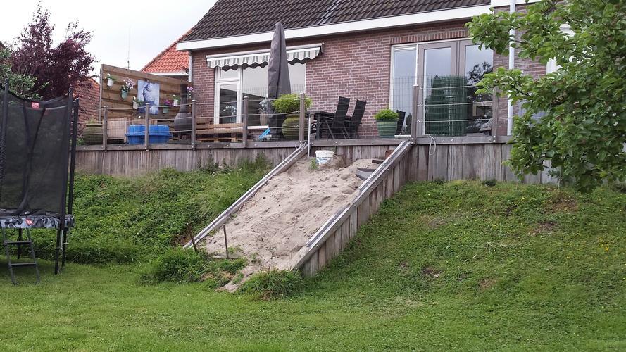 Betere Storten betonnen trap in tuin - Werkspot EL-58