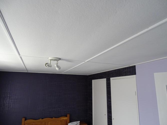Monteren plafond gipsplaten 4 slaapkamers, overloop en badkamer ...
