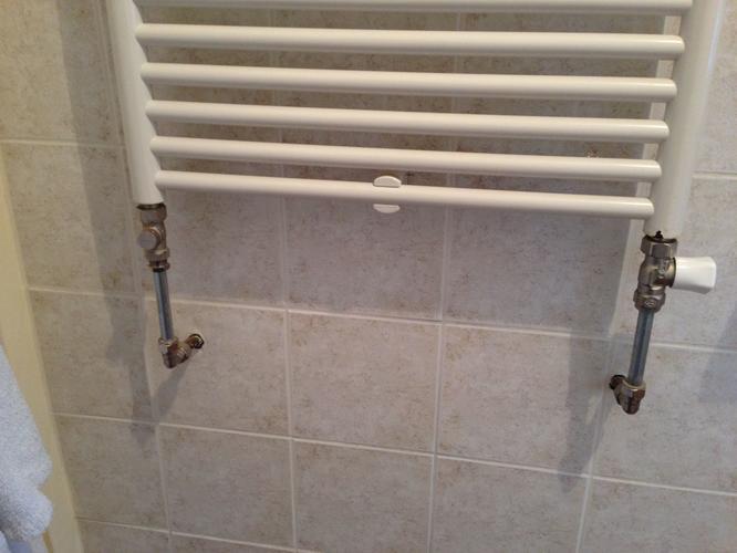 Radiator badkamer plaatsen - Werkspot