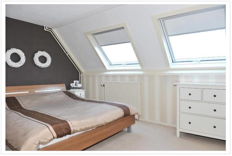 Glasvlies behangen en schilderen van slaapkamer - Werkspot
