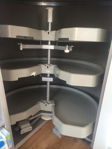 carrousel kast repareren werkspot. Black Bedroom Furniture Sets. Home Design Ideas