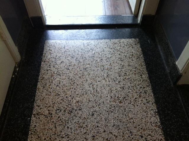 Granieten vloer schuren en polijsten scheur herstellen werkspot