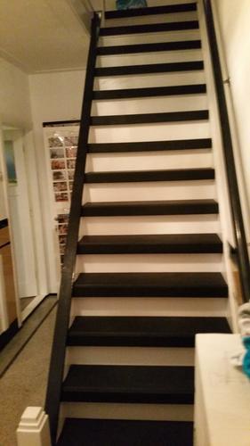 Traphek maken op trap jaren 30 woning werkspot for Stootborden trap maken