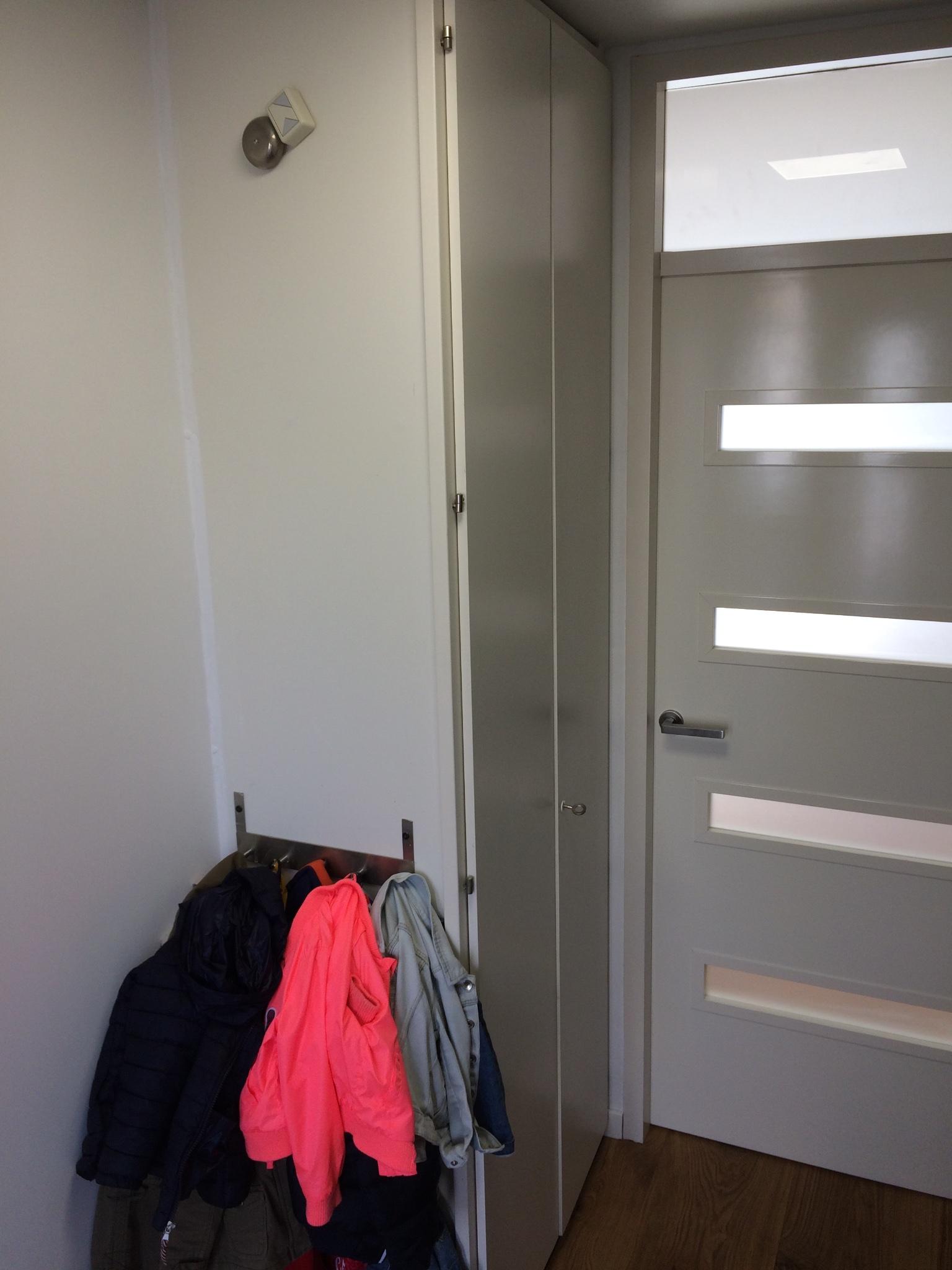 Plaatsen En Op Maat Maken Van Ikea Pax Kast In Hal Werkspot
