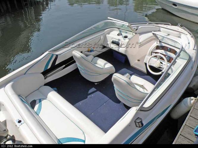 Vervangen bekleding speedboot - Werkspot