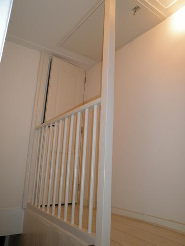 Plaatsen 39 vaste trap 39 naar zolder deur verplaatsen for Vlizotrap inbouwen