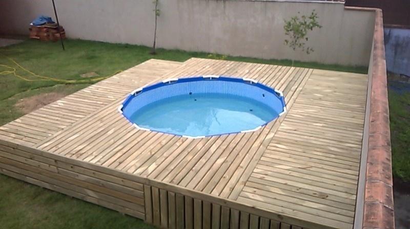 Houten ombouw zwembad maken in achtertuin werkspot for Zwembad achtertuin