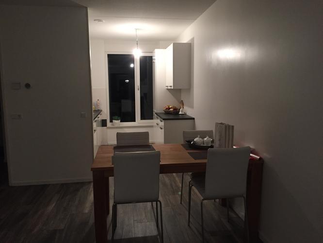 Scheidingswand tussen woonkamer & Keuken van Hout - Werkspot