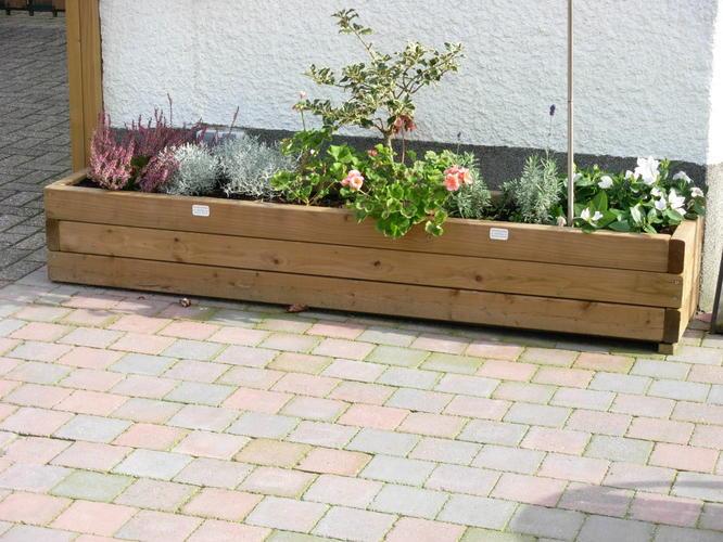 Houten plantenbak op maat in tuin maken werkspot for Houten tuinbank zelf maken