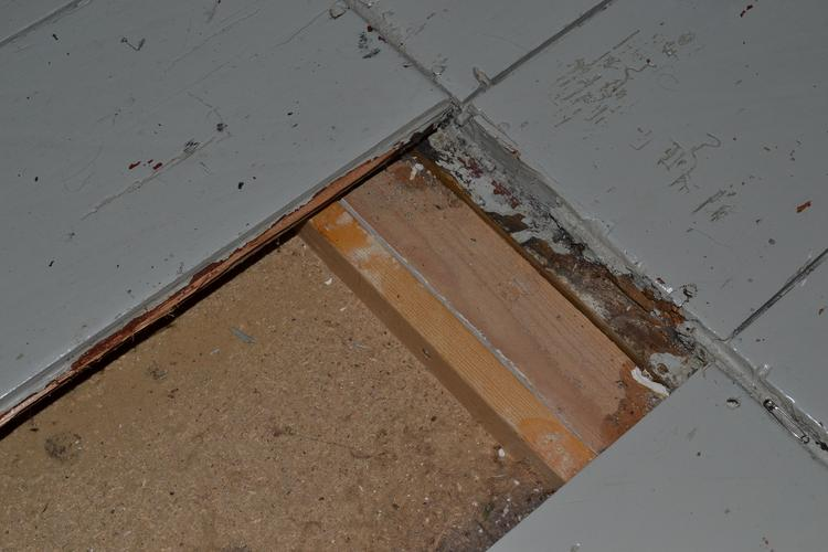Verbouwing bovenverdieping houten vloer egaliseren twee slaapkame