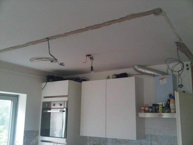 Afzuigkap In Plafond : Afwerken keuken achterwand afzuigkap plafond werkspot