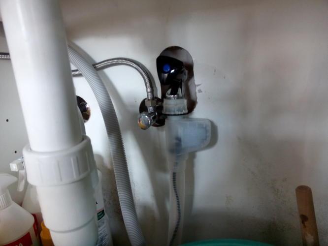 Repareren kraan vaatwasser in keuken werkspot