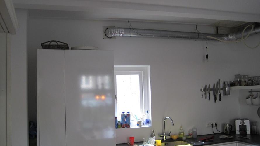 Koof boven keuken maken incl afvoerkanaal en verlichting - Werkspot