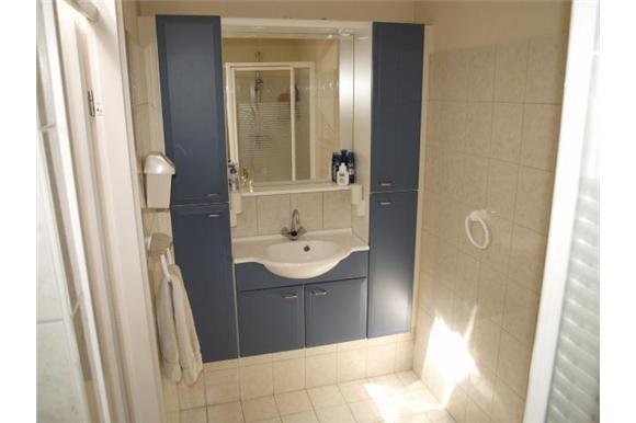 Tekening Badkamer Maken : Volledige renovatie badkamer en toilet maken schuifdeur werkspot