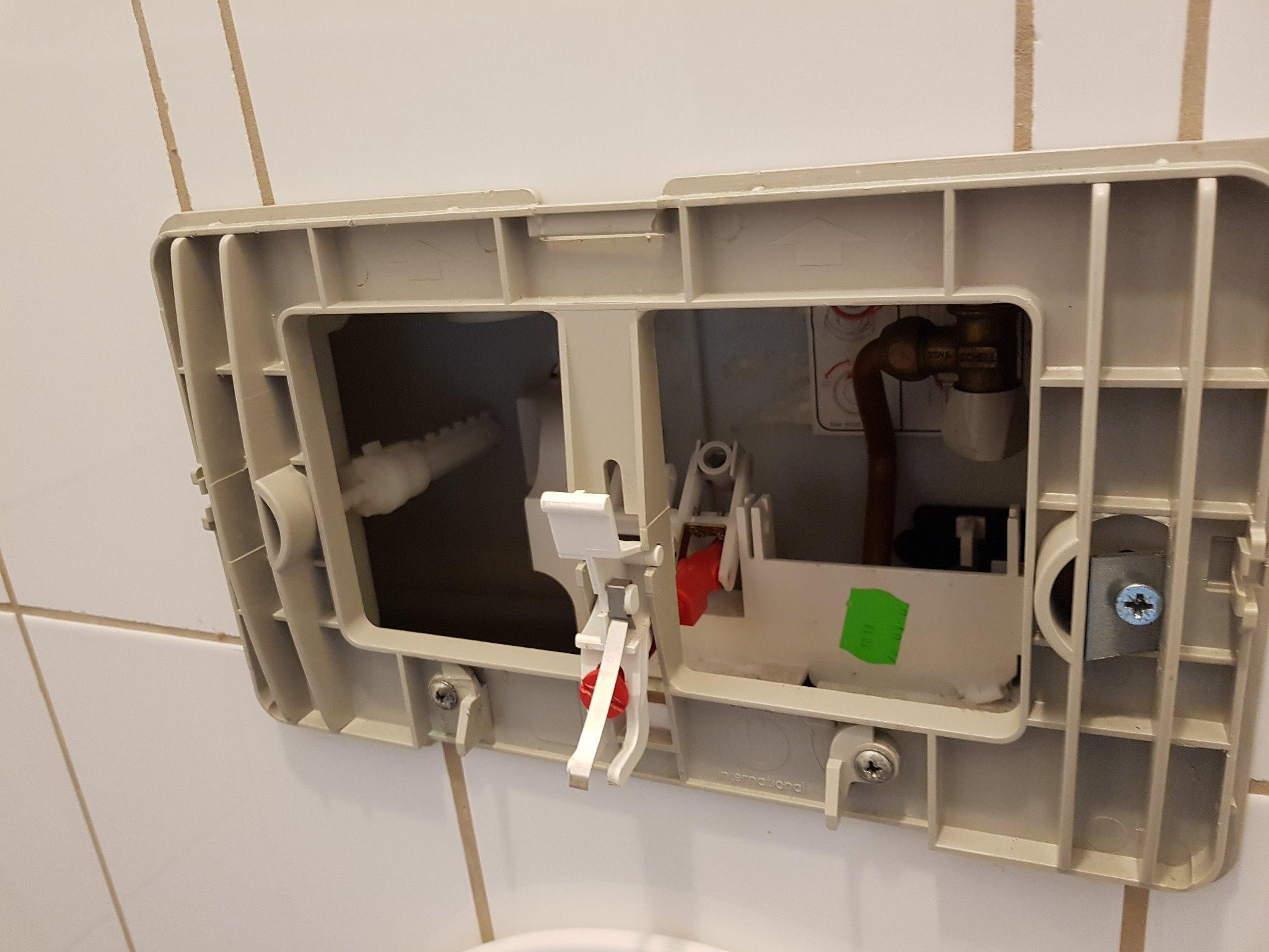 Binnenwerk Spoelbak Toilet : Vervangen binnenwerk oliver international zwevend toilet werkspot