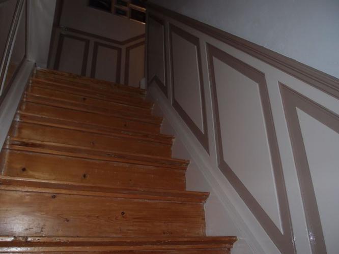 Lambrisering maken in halletje en langs trap werkspot - Versier een trap ...