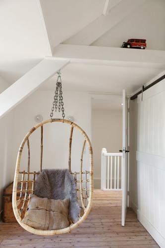 Hangstoel Ophangen Aan Plafond.Een Hangstoel Ophangen In Een Betonnen Plafond Werkspot
