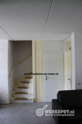Kast onder de trap bouwen werkspot for Trap bouwen