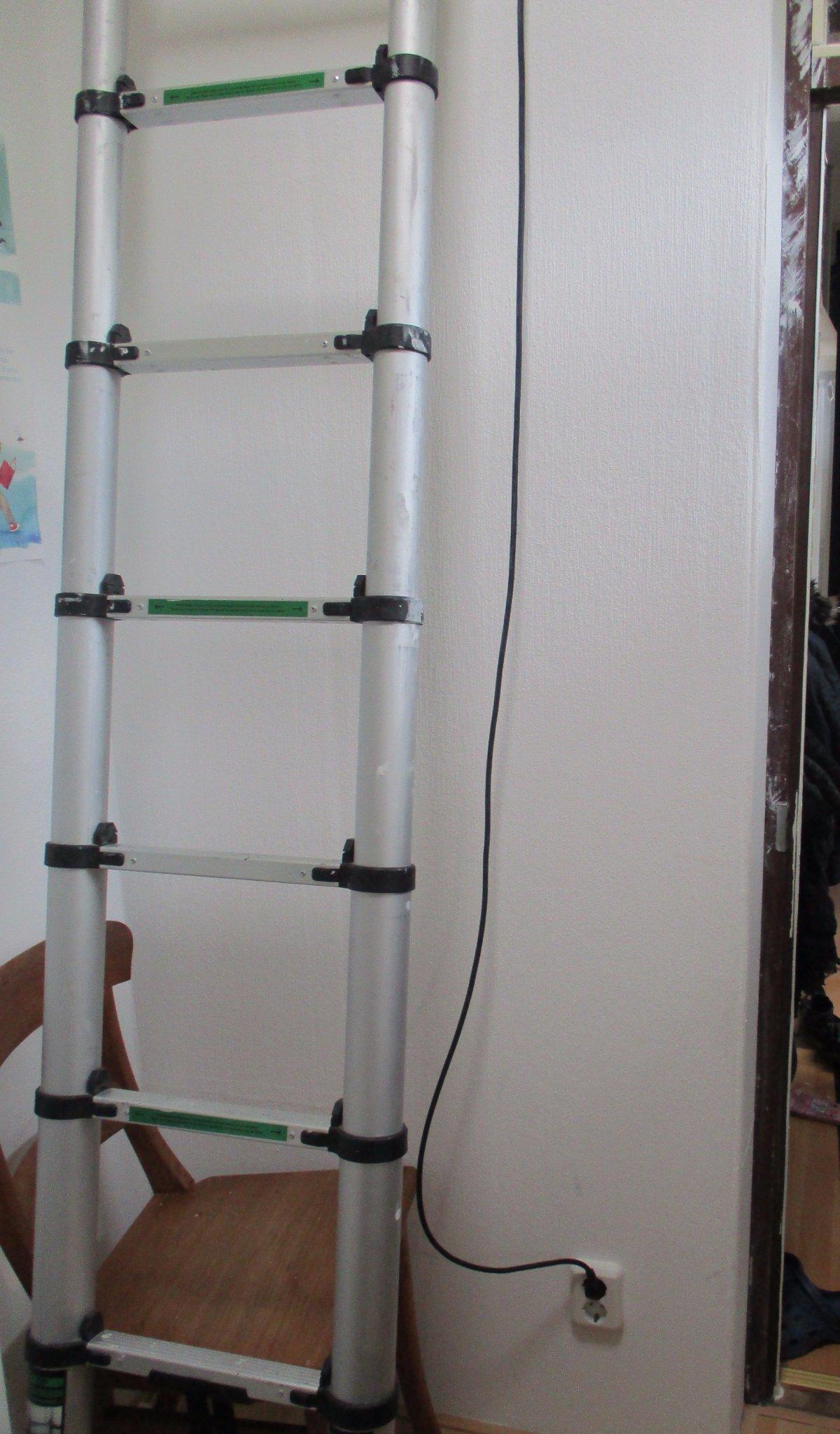 Ladder naar vliering maken werkspot for Trap naar vliering