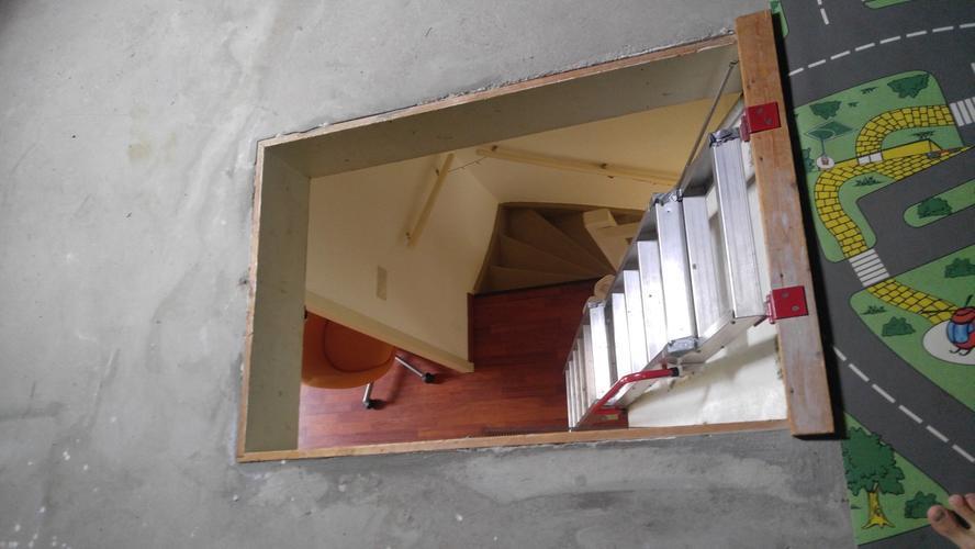 Welp Dakkapel + vaste trap naar zolder in plaats van vlizotrap - Werkspot AZ-45