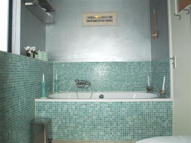 Badkamer Deels Betegelen : Badkamer en toilet aanpassen en opnieuw betegelen werkspot