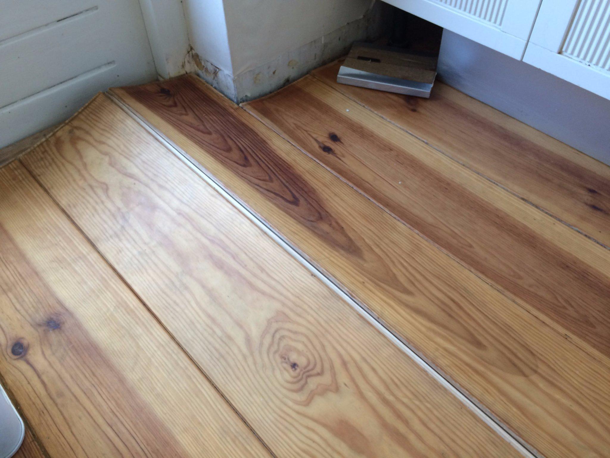 Herstellen houten vloer met waterschade ca. 2 m² werkspot