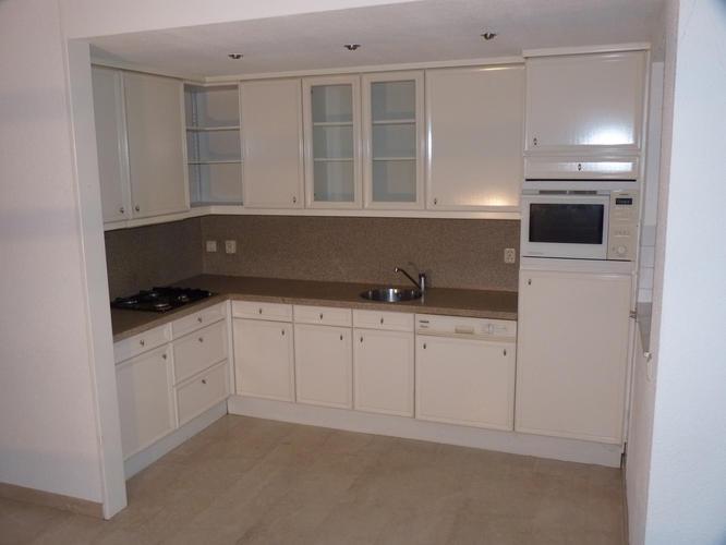 Demonteren oude keuken en ruimte klaarmaken voor plaatsing