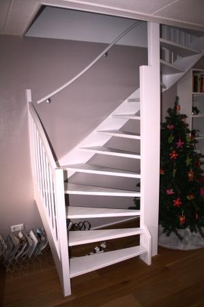 Open trap dichtmaken werkspot Trap in woonkamer