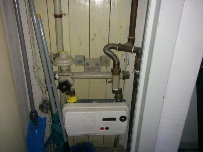 Onwijs Gasleiding aansluiten in meterkast en aan kraantje en afpersen IL-33