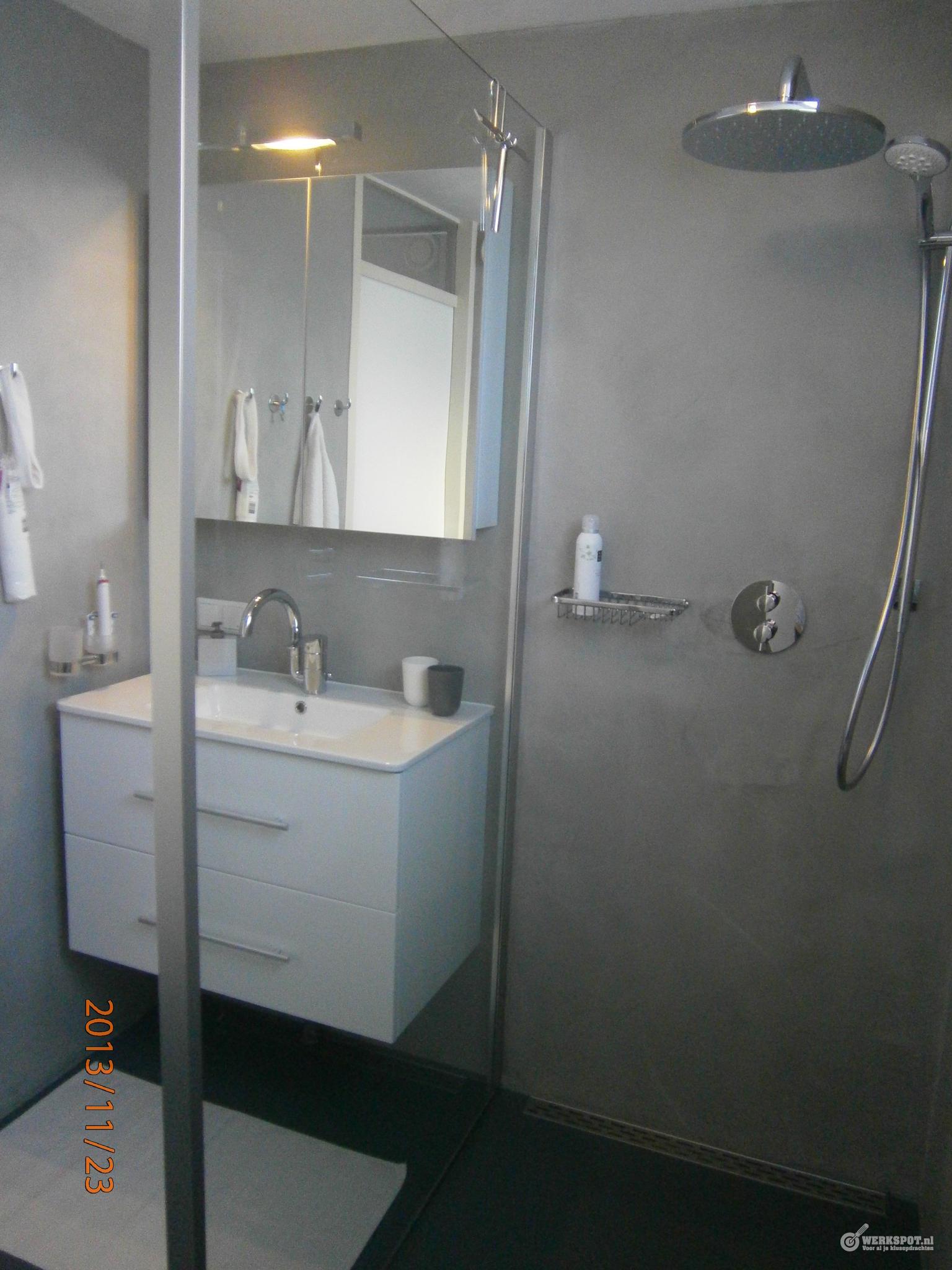 complete badkamer vernieuwen wandenplafond afwerken met