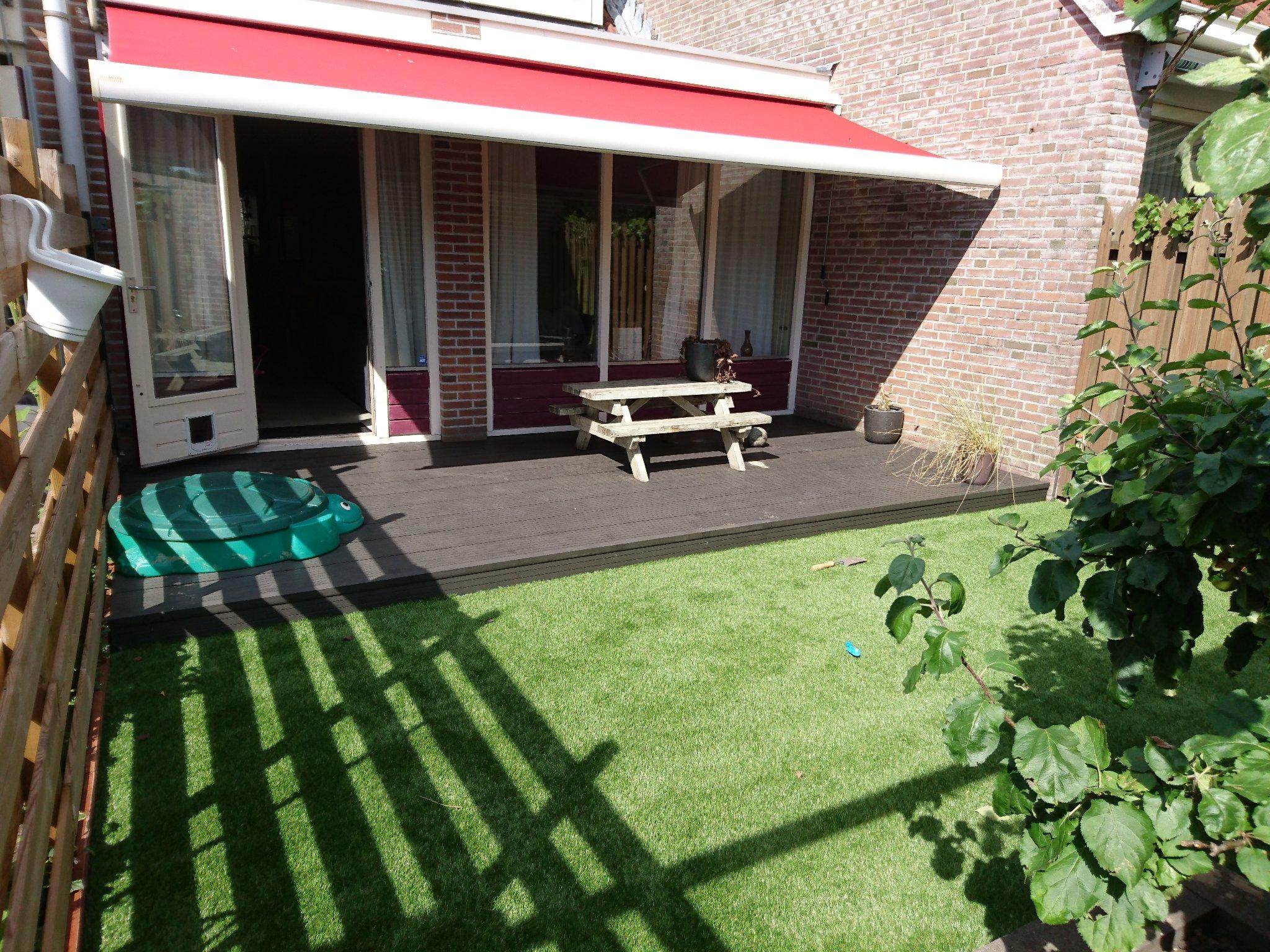 Houten Vlonders Tuin : Houten vlonder in tuin werkspot
