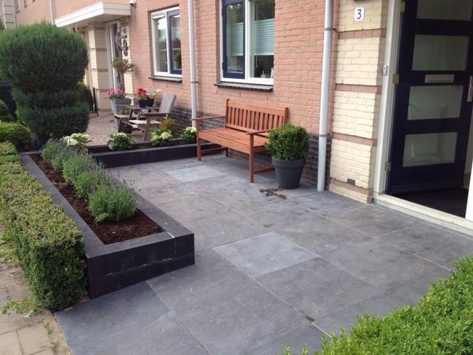 Voortuin bestraten 2 40 x 3 60 werkspot for Aanleg kleine tuin