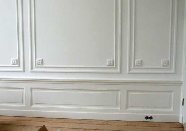 Lambrisering hal werkspot - Behang voor toiletten ...