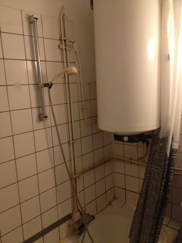 Verbouwen wc + badkamer(tje) + maken kast voor boiler - Werkspot